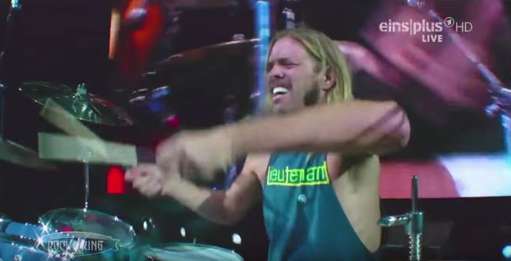 Тэйлор Хоукинс на «Рок ам ринге» -2015